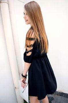 Cut-out Sleeves Black Shift Dress - Romwe