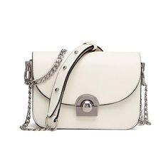 Designer Ladies Chain Messenger Bag. On Sale + FREE SHIPPING! #Handbag #MessengerBag #Bag #DesignerBag #ShoulderBag #pursepolitan #Purse