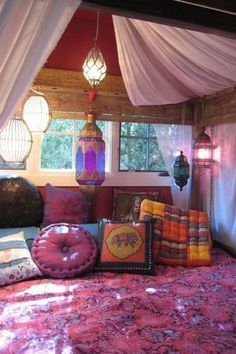 Elegant boho bedroom decor ideas small apartment Minimalist Bedroom Elegant Bedroom Designs Teenage Girls Small Rooms View Homedit 55 Room Design Ideas For Teenage Girls Barrainformativa Elegant Bedroom Designs Teenage Girls Small Rooms View Homedit 55 Bohemian Bedrooms, Bohemian Room, Bohemian Apartment, Gypsy Room, Gypsy Bed, Hippie Bohemian, Bohemian Interior, Bohemian Pillows, Bohemian Living