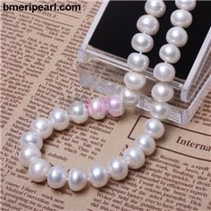 If you& planning on wearing a Love Bracelet the way it was intended, . Single Pearl Necklace, Pearl Necklace Wedding, Mother Of Pearl Necklace, Pearl Choker Necklace, Cultured Pearl Necklace, Freshwater Pearl Necklaces, Cultured Pearls, Real Pearls, Blue Topaz Ring