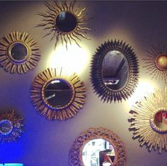 pared con espejos vintage - Buscar con Google Mirror, Google, Copper, Decorative Mirrors, Wall Mirrors, Sun Mirror, Tips, Mirrors