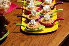 Mini No-Bake Pumpkin Pies