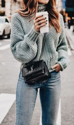 outfit of the day | knit sweater + animal print bag + jeans
