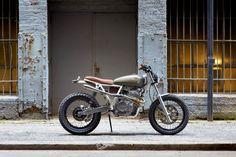 "Moto-Mucci: DAILY INSPIRATION: Daniel Peter's ""Cabin Fever"" - 1995 Honda XR650L"