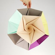 Make this pretty, geometric mobile with printable template!