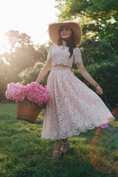 lace dress & pink peonies www. Paint Photography, Fashion Photography Poses, Dress Skirt, Lace Dress, Pink Power, My Secret Garden, Pink Peonies, Photoshoot, Fashion Outfits