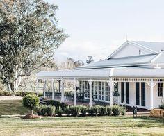 Country Style Magazine, Chic Beach House, Beach Houses, Farmhouse Renovation, Hill Interiors, Australian Homes, Australian Country Houses, Modern Farmhouse Style, Modern Country