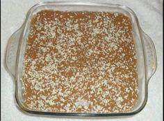 Receita de Pavê rápido de doce de leite - pavê com o doce de leite e coloque raspas do chocolate branco para...