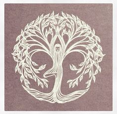 "Yoga tree pose design - would make a beautiful tattoo! I'd add ""namaste"". Tattoo Life, Tatouage Yogi, Yoga Kunst, Mundo Hippie, Yoga Tree Pose, Yoga Tattoos, Frida Art, Celtic Tree, Yoga Art"