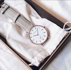 'The Classic' Timepiece in Rose Gold / Grey via @elleshalien