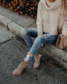 These clay peep toe booties are essential for fall with a zip front and high ankle silhouette. Our Wagner Zip Bootie is so de Winter Diy, Fall Winter Outfits, Autumn Winter Fashion, Winter Style, White Outfit For Men, Casual Outfits, Cute Outfits, Pretty Outfits, Casual Wear