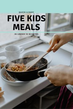 5 Kids Meals in Under 10 Minutes - In The Playroom Plain Naan, Chicken Goujons, Tuna In Olive Oil, Cake Decorating For Kids, Clean Eating Recipes, Healthy Recipes, Green Pesto, Chicken Slices, Creamy Mashed Potatoes
