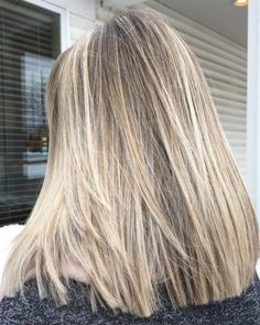 15 Stunning Examples of Brown and Blonde Hair for 2020 Short Dark Hair, Short Hair Cuts, Short Hair Styles, Platinum Blonde Balayage, Blonde Hair, Brunette To Blonde, Silver Hair Highlights, Blonde Highlights Short Hair, Creative Hair Color