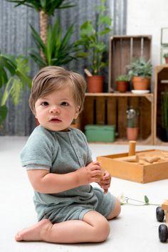 Der Baby-Strampler ist auch für kleine Jungs ein Traum. <3 Die Marke Koeka findest Du bei Kleine Fabriek. :)