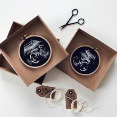 Now You Can Get An Embroidery Of Your Sonogram That Makes The Perfect Keepsake 16 Weeks Pregnant Ultrasound, Baby Ultrasound, Ultrasound Ideas, Ultrasound Frame, Embroidery Leaf, Hand Embroidery Patterns, Embroidery Designs, Sonogram Pictures, Picture Gifts