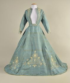 LOT 377 EMBROIDERED SILK RECEPTION GOWN, 1867 - whitakerauction