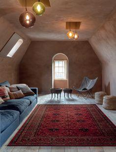 Tradycyjny belgijski dywan Nomad sprawdza się w 100% w jasnych pomieszczeniach. Ciemne kolory sprawiają, że nadaje wyrazistości wnętrzu 💥  Po ten i wiele innych dywanów zajrzyj do naszego salonu lub na stronę 👉 www.topworld.pl 👈 💛🧡❤️💜  #carpet #rug #design #home #house #dywan #wykładzina #poznan #polska Rugs, House, Home Decor, Farmhouse Rugs, Decoration Home, Home, Room Decor, Home Interior Design, Rug
