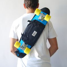 skate backpack equipped with straps to carry your skateboard