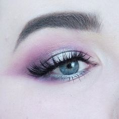 Closer look Inspired by the northern lights #auroraborealis ☄✨⭐️ The inner and outer corner was much darker in real life, but the camera didn't pick it up.  #100daysofmakeup #day22 #northernlight #beautyaddictsfb #beautyaddict #fiftyshadesofmakeup #beautiful #beauty #hudabeauty  #makeupfanatic1 #picoftheday #lookoftheday #lookamillion #makeupjunkie #Makeupbyme #makeupaddict #makeupmafia #makeuplover #makeup #motd #eyes #urbandecay #instamakeup #eotd #creativemakeup #allbeautymatters #sminkee