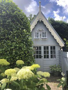 Toen ik het schuurtje zag, was ik verkocht! - Anita Home Blog Vegetable Garden, Hydrangea, Was, Outdoor Living, New Homes, Cottage, Outdoor Structures, Landscape, House Styles