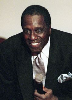 Ex Globetrotters STAR Meadowlark Lemon dies... He brought so much fun and laughter to us all, and his talent was amazing...... A great loss