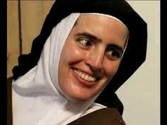 Sister Cecilia Maria - The joy of living and dying in Christ - You Tube Catholic Saints, Roman Catholic, The Nun's Story, Cemetery Statues, Vintage Nurse, Joy Of Living, Special People, Jesus Loves, Santa Fe
