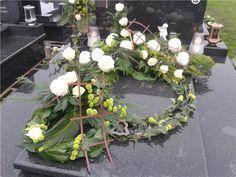 My creation. Grave Decorations, Modern Flower Arrangements, Funeral Flowers, Arte Floral, Flower Art, Decoupage, Church Flower Arrangements, Hearts, All Saints Day
