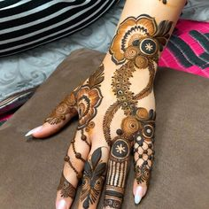 Hi everyone , welcome to worlds best mehndi and fashion channel Zainy Art . Hope You guys are liking my daily update of Mehndi Designs for Hands & Legs Nail . Khafif Mehndi Design, Floral Henna Designs, Latest Arabic Mehndi Designs, Henna Art Designs, Mehndi Designs For Girls, Back Hand Mehndi Designs, Mehndi Designs For Beginners, Modern Mehndi Designs, Dulhan Mehndi Designs