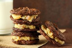 Award Winning German Chocolate Cake Sandwich Cookies - chewy chocolate coconut pecan cookies with coconut pecan filling Coconut Pecan Cookies, Chocolate Coconut Cupcakes, German Chocolate Cake Cookies, Cookie Desserts, Just Desserts, Cookie Recipes, Dessert Recipes, Pecan Recipes, Bar Recipes