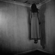Just plain creepy.  Good haunt idea. ..Maybe with the triggered moving head