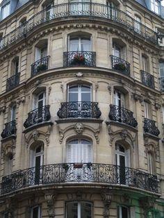 60 Rue Lecourbe, Paris XV (1900, architect Henri Ragache)