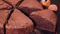 """Tort de ciocolata """"noroios"""" Ricotta, Sweets Recipes, Desserts, Fudge, Banana Bread, Baking, Food, Pies, Sweets"""