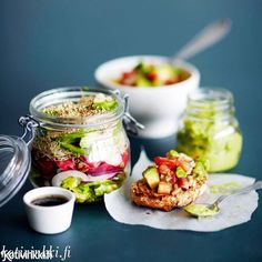 Kolme reseptiä avokadosta | Kotivinkki Fresh Rolls, Ethnic Recipes, Food, Recipes, Essen, Meals, Yemek, Eten