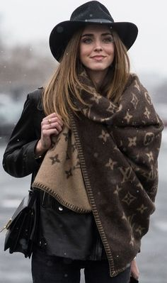 Chiara Ferragni's Louis Vuitton scarf at NYFW.