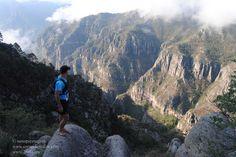 Correr descalzo con los Tarahumara, compartiendo la Ultramaratón de los Cañones. ¿Puede haber algo mejor? Crónica completa aqui: http://carrerasdemontana.com/2012/08/14/correr-descalzo-con-los-tarahumara-por-nano-piesnegros-cronica-de-la-ultramaraton-de-los-canones-2012/