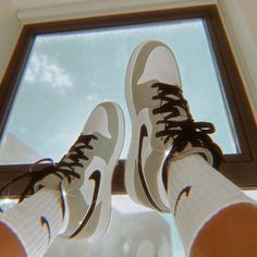 Sneakers Mode, Sneakers Fashion, Shoes Sneakers, Shoes Jordans, Jordan Shoes Girls, Girls Shoes, Tumbr Girl, Swag Shoes, Nike Air Shoes