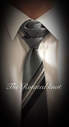 Knot by Boris Mocka Cool Tie Knots, Cool Ties, Tie Knot Styles, Fancy Tie, Tie A Necktie, Necktie Knots, Scarf Knots, Tie Crafts, Herren T Shirt