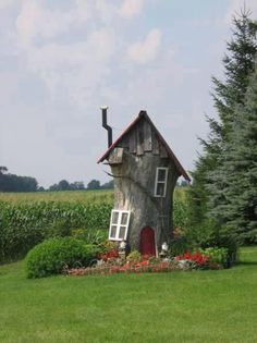 Garden house - Cute - reminds me of the Old Women in a shoe - sort of! LOL