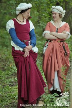 L`ultima frontiera. Taurica 1461-1490.  Like the cranberry dress