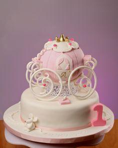 Princess Carriage Cake Cinderella Wedding, Cinderella Cakes, Fondant, Carriage Cake, Cinderella Pumpkin Carriage, Owl Cakes, Creative Cakes, Creative Food, Cupcakes