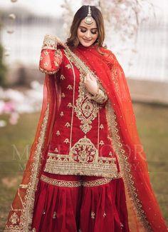 Pakistani Fashion Party Wear, Indian Fashion Dresses, Pakistani Bridal Dresses, Pakistani Dress Design, Pakistani Outfits, Pakistani Clothing, Fancy Dress Design, Bridal Dress Design, Desi Wedding Dresses