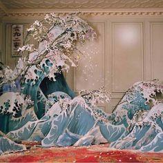 Xiao Wen Ju photographed by Tim Walker for W Magazine Hokusai, The Great Wave off Kanagawa Richard Avedon, Tim Walker Photography, Art Photography, Fashion Photography, Illustration Inspiration, Magazine Vogue, Instalation Art, Scenic Design, Foto Art