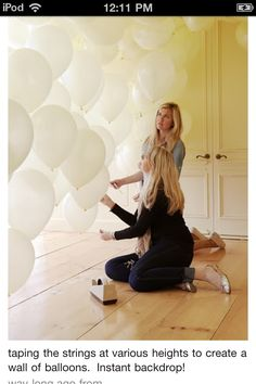 What a great idea! taping the strings at various heights to create a wall of balloons. Instant backdrop for wedding guest photobooth! Such a good idea! Party Deco, Party Party, Party Mottos, Photos Booth, Picture Booth, Fiestas Party, Holiday Parties, Party Planning, Party Time