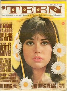 Colleen Corby was a cultural icon of the sixties, at least in the teen girl crowd. She was on the cover of Seventeen magazine 15 times and also. 70s Aesthetic, Aesthetic Vintage, Aesthetic Pictures, Colleen Corby, Vogue Vintage, Vintage Ads, Vintage Makeup Ads, Vintage Vogue Covers, 60s Makeup