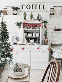 Our Cozy Cat Cottage Christmas 2017 countrychristmas Christmas Open House, Cottage Christmas, Country Christmas, Christmas 2017, Winter Christmas, All Things Christmas, Merry Christmas, Christmas Tree Decorations, Holiday Decor