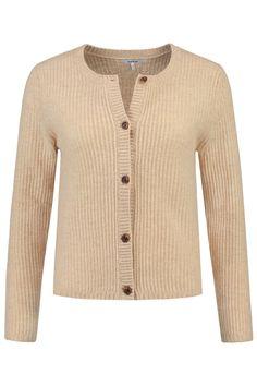 Dit vest van Ganni is van 60% merinowol, 20% yak en 20% polyamide. Dit korte model vest heeft lange mouwen en een knoopsluiting. Ganni Vest Ivory Cream Melange - K0849 112.