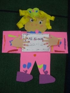 Back to School Math and Literacy Fun  Cute All About Me beginning of year art project for kinders!!
