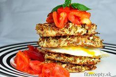 S vajíčkom a paradajkami