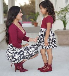 Spring Style Matching Mother and Daughter Dress Family Look Mommy and Me Clothes Long Sleeve Short Dress in 2020 Mother Daughter Photos, Mother Daughter Matching Outfits, Mother Daughter Fashion, Mommy And Me Outfits, Mom Daughter, Family Outfits, Kids Outfits, Mother Daughters, Sister Sister