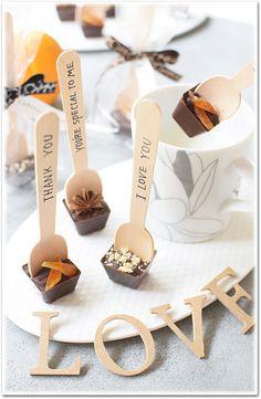 Hot Chocolate Gifts, Chocolate Candy Recipes, Chocolate Covered Treats, Chocolate Sticks, Chocolate Spoons, Chocolate Delight, Chocolate Bomb, Homemade Chocolate, Chocolates